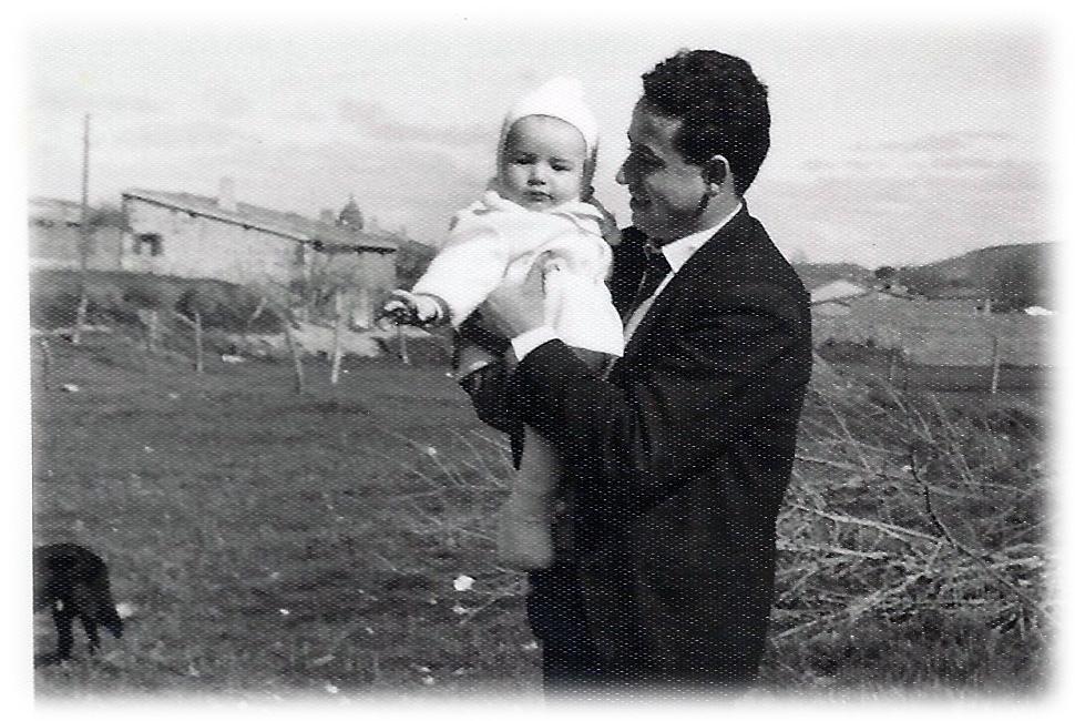 30-Luisito en brazos de papá