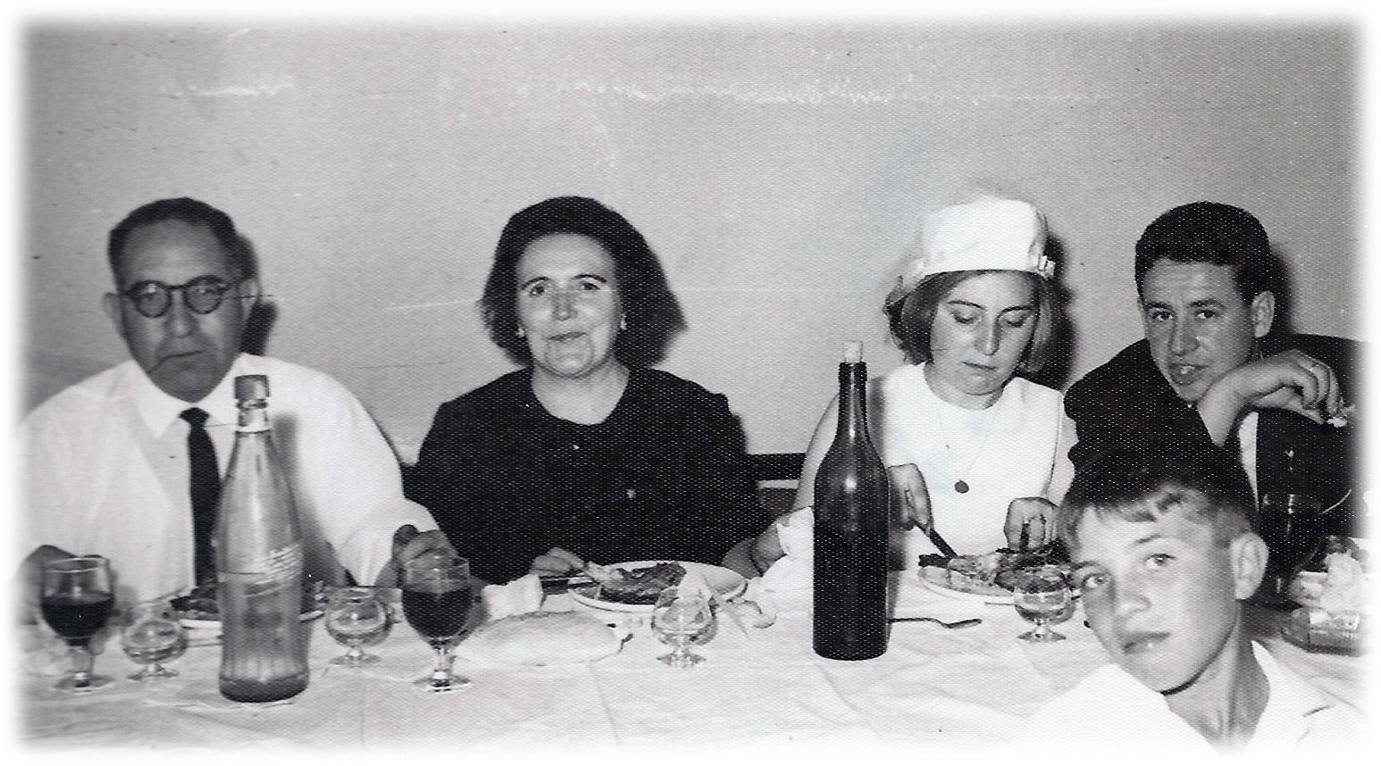 22-En el banquete con los suegros